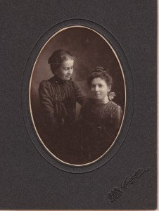 Gladys and Edna_20140809_0001